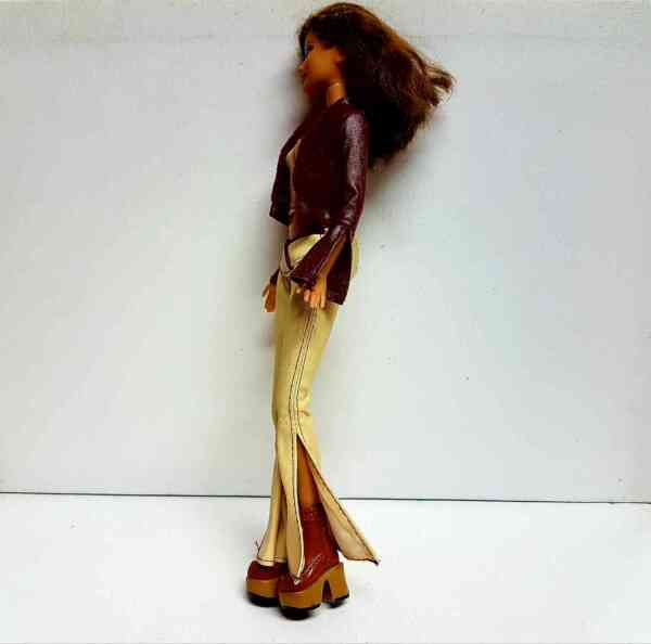 Lutka Barbie (4)  Lutka Barbie (1)  Lutka Barbie (2)  Lutka Barbie (3)