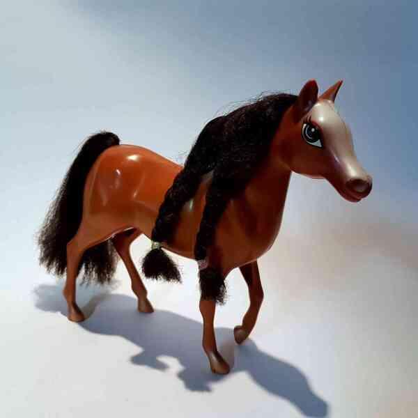 Konj-Bratz-2