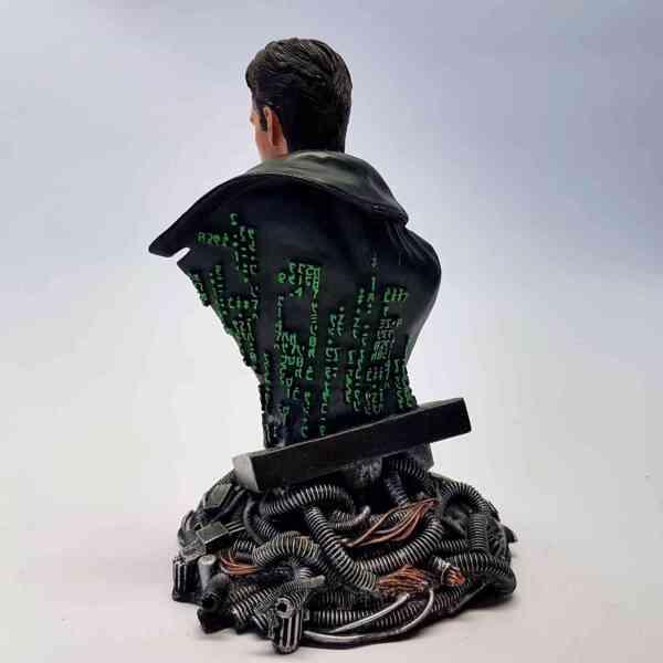 Kolekcionarska-figura-Neo-Matrix-4