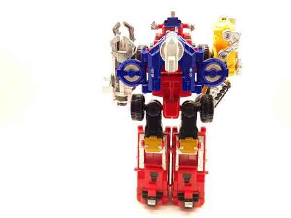 Power-Rangers-Operation-Overdrive-Boukenger-Deluxe-DriveMax-Megazord-1