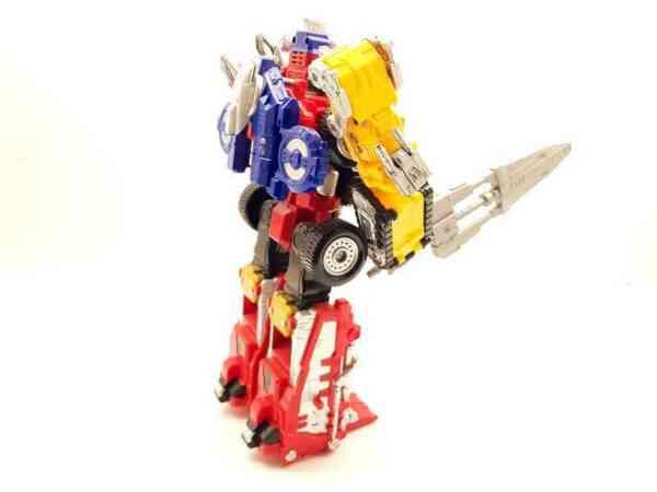 Power-Rangers-Operation-Overdrive-Boukenger-Deluxe-DriveMax-Megazord-2