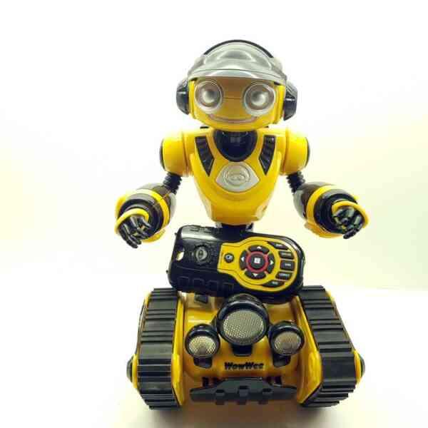 WowWee-robot-Roborover-1