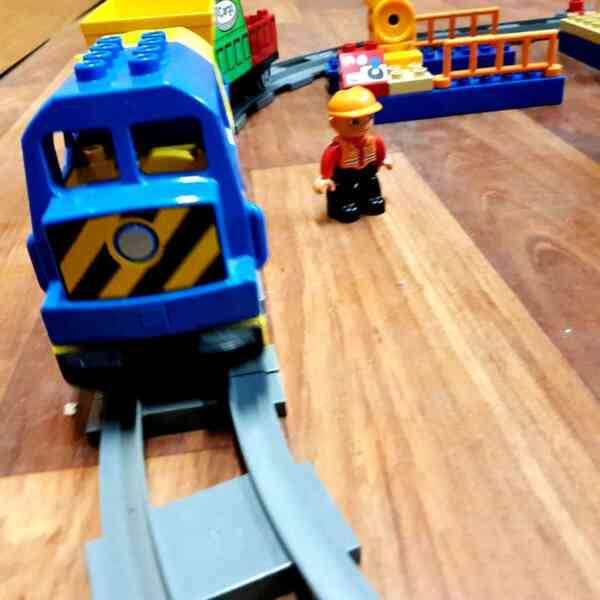 LEGO-DUPLO-VOZ-DELUXE-TRAIN-SET-3772-7