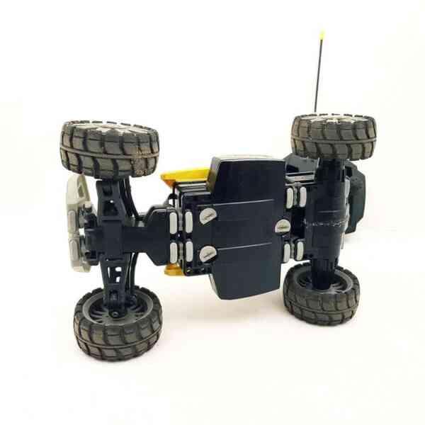 Lego-RC-auto-na-daljinski-Dirt-Chrusher-2