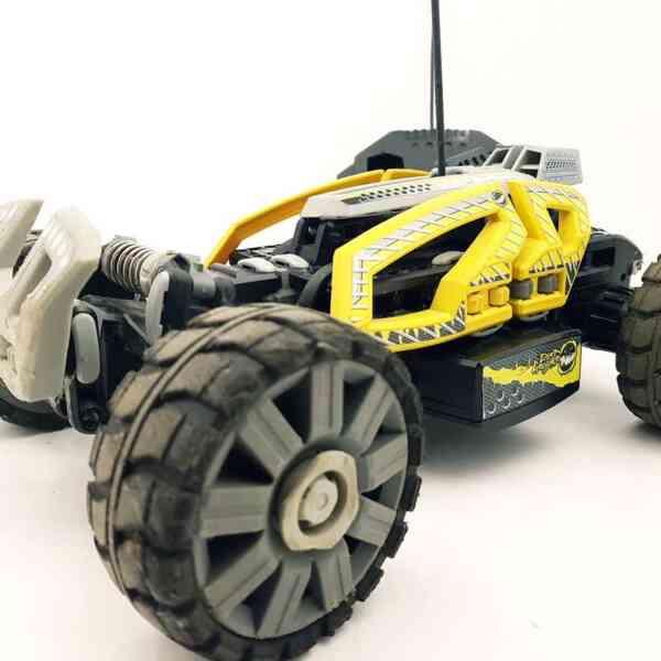 Lego RC auto na daljinski Dirt Chrusher (3)  Lego RC auto na daljinski Dirt Chrusher (1)  Lego RC auto na daljinski Dirt Chrusher (2)  Lego RC auto na daljinski Dirt Chrusher (4)
