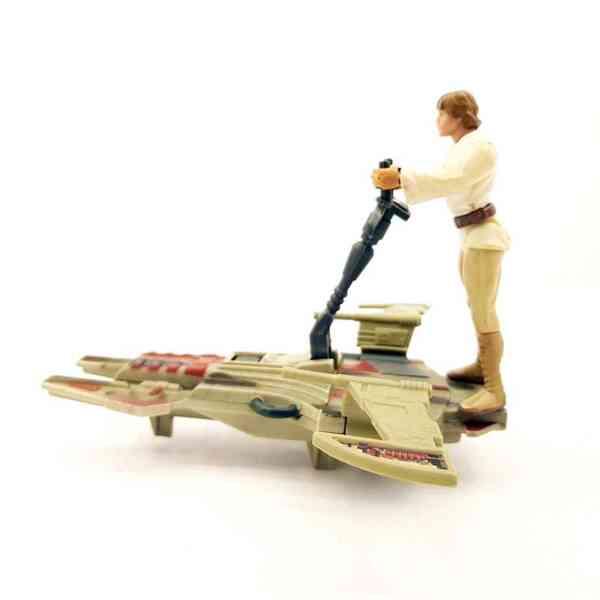 Star-Wars-Desert-Sport-Skiff-vozilo-sa-Luke-Skywalker-Figurom-4