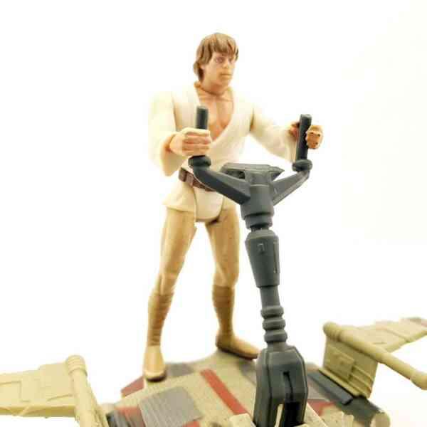 Star-Wars-Desert-Sport-Skiff-vozilo-sa-Luke-Skywalker-Figurom-5
