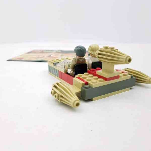 Lego-systerm-Star-Wars-7110-Landspeeder-5