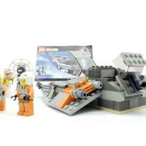 Lego-systerm-Star-Wars-7130-Snowspeeder-1