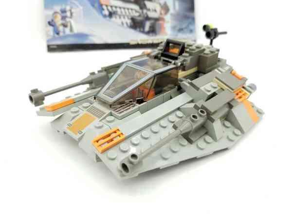 Lego-systerm-Star-Wars-7130-Snowspeeder-3
