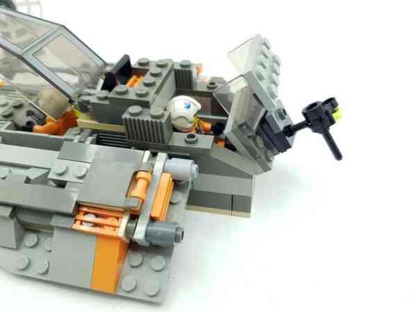 Lego-systerm-Star-Wars-7130-Snowspeeder-6
