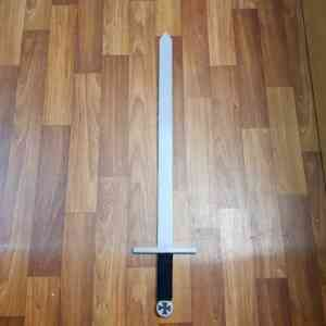 Templarski mač (2)  Templarski mač (1)