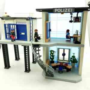 Playmobil policijska stanica sa zatvorom (1)