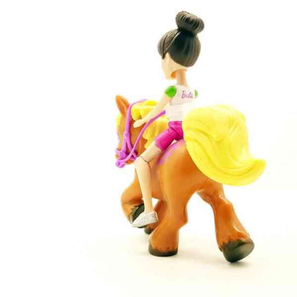 Barbie gumena lutkica na konju (2)