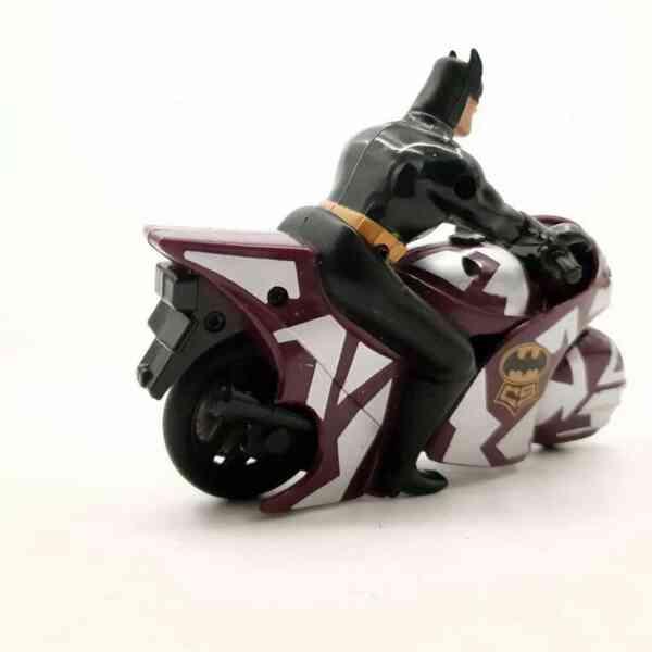 Batman na motoru Kenner (4)
