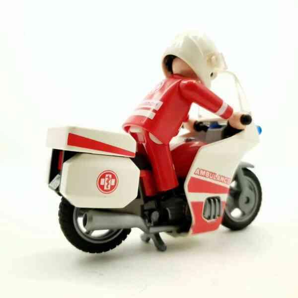 Playmobil Motociklista bolničar na motoru (1)