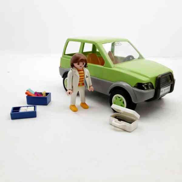 Playmobil Veterinarka u džipu (2)