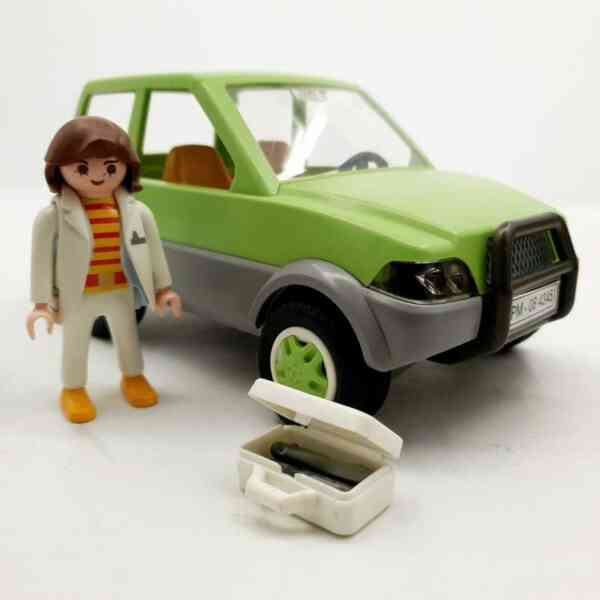 Playmobil Veterinarka u džipu (4)