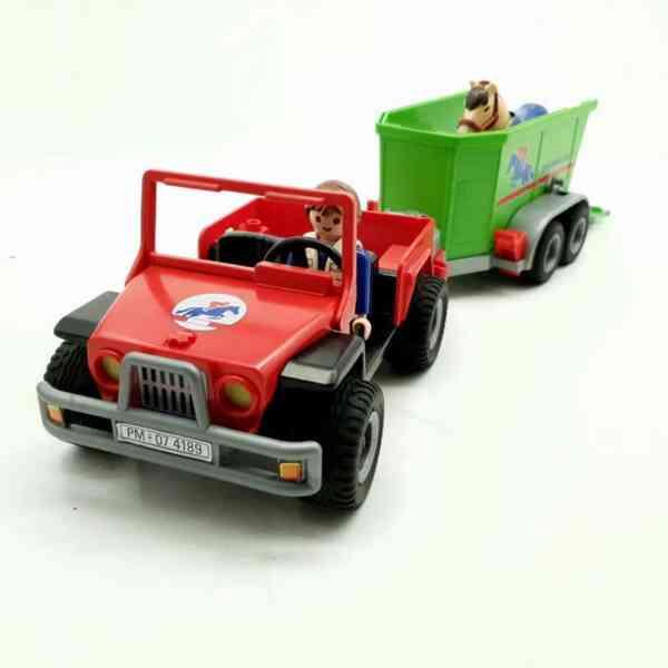 Playmobil džip i prikolica za konje (7)