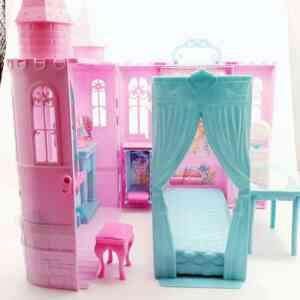 Barbi zamak kofer (1)