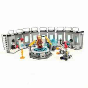 Lego Iron Man set (2)