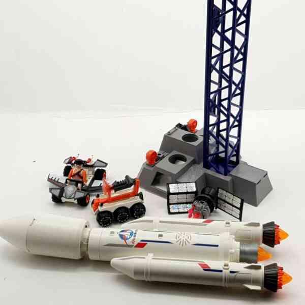 Playmobil lansirna rampa sa raketom (10)