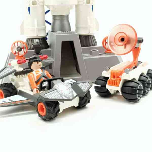 Playmobil lansirna rampa sa raketom (2)