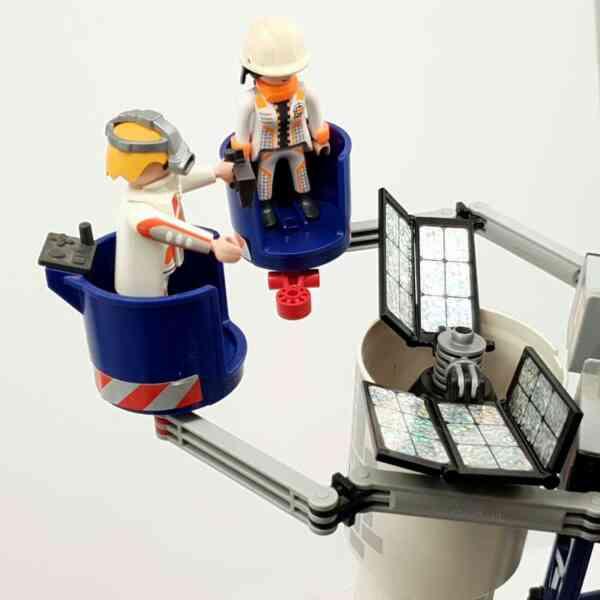 Playmobil lansirna rampa sa raketom (6)