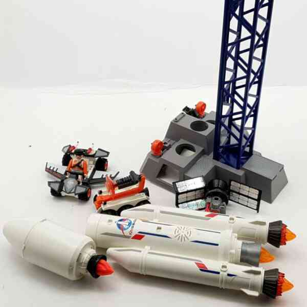 Playmobil lansirna rampa sa raketom (9)