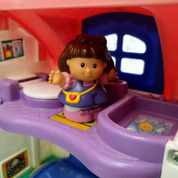 Kuća Little People Fisher Price (5)
