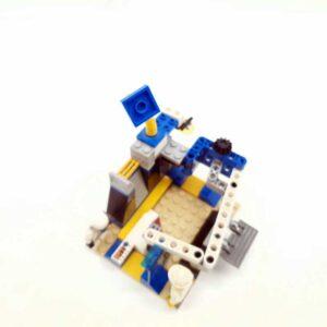 Lego svemirska raketa sa lansirnom rampom (1)