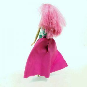 Lutka Barbie peva na nemačkom (1)