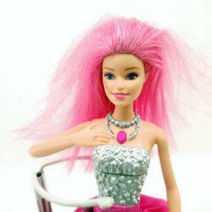 Lutka Barbie peva na nemačkom (3)
