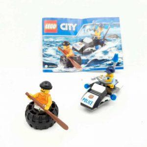 Lego set policajac na džet skuteru i lopov u gumi (2)