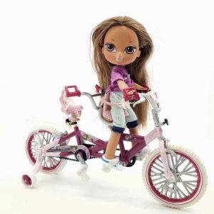 Bratz lutkica na biciklu (1)