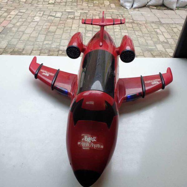 Avion Bratz na baterije (5)