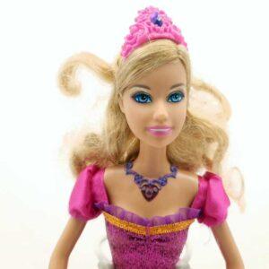 Lutka Barbie okreće haljinu (3)