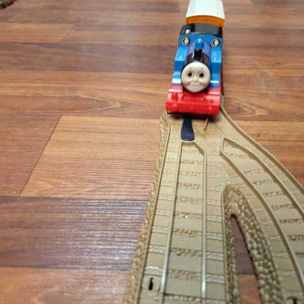 Voz Thomas i prijatelji sa prugom na baterije (1)