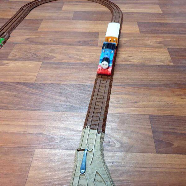 Voz Thomas i prijatelji sa prugom na baterije (4)