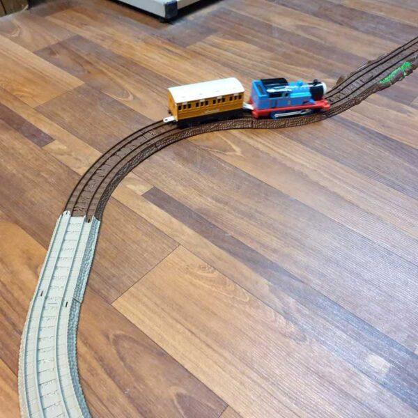 Voz Thomas i prijatelji sa prugom na baterije (6)
