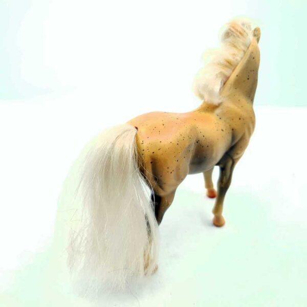 Konj Barbie 20 cm (1)
