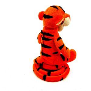 Tigar Tiger Vini Pu skače, priča i peva na engleskom (1)