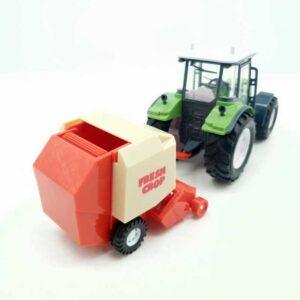 Traktor sa skupljačem sena (1)