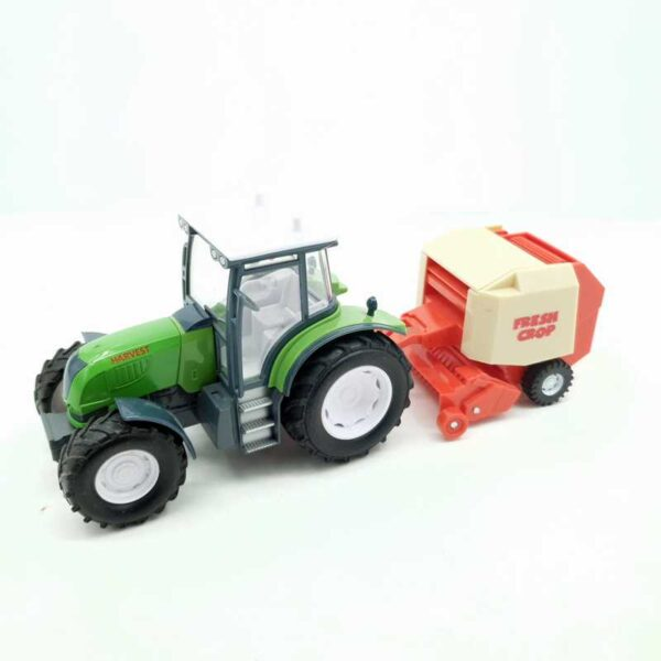 Traktor sa skupljačem sena (5)