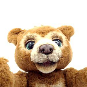 Medved Currios bear Cubby FRF FurReal Friend (1)