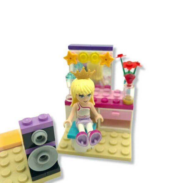 Lego friends set studio (3)