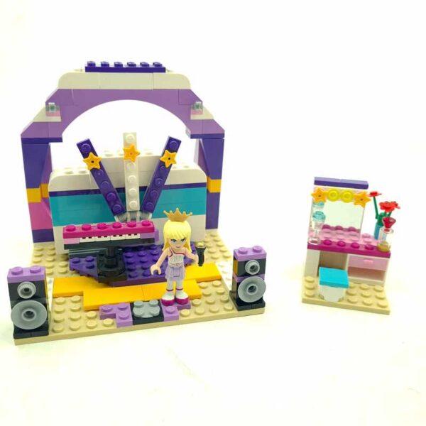 Lego friends set studio8 (1)