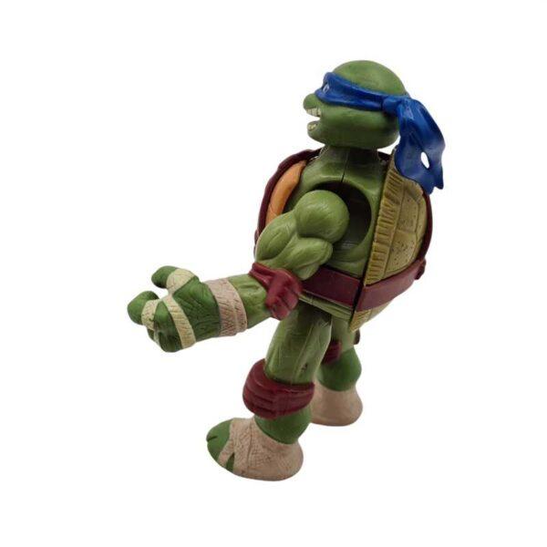 Akciona figura Nindža kornjača Leonardo priča kad pomera noge (4)